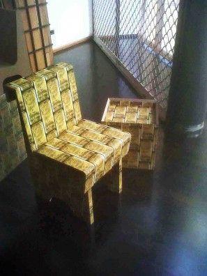 silla y cubo