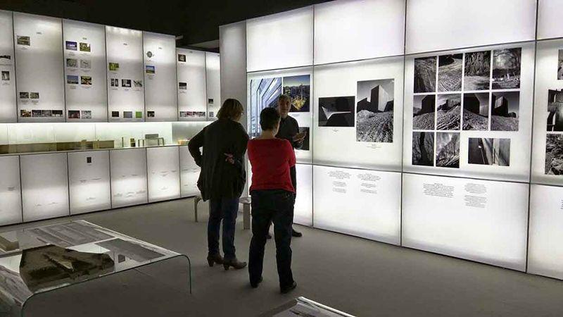 Instalación gráfica Exposiciones Vinilo impreso Displays