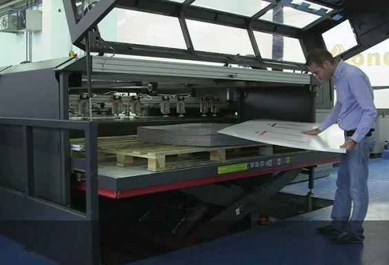 Impresión digital de gran formato Vinilo impreso Comunicación visual Instalación gráfica