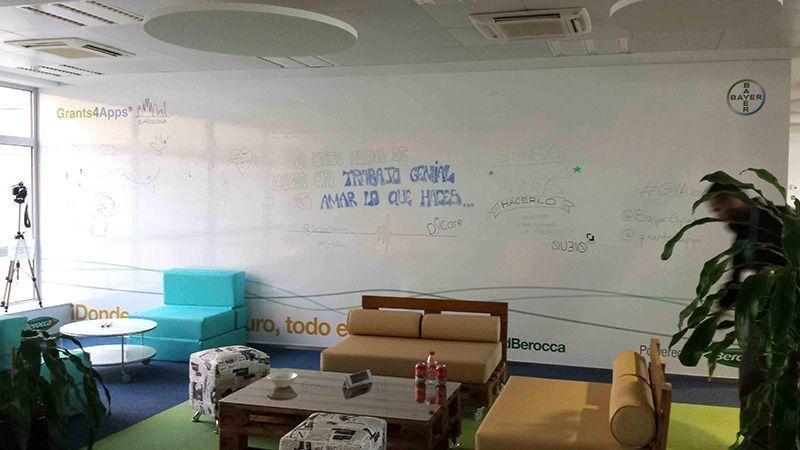 Vinilo impreso Adhesivo Wall covering Rotulación Caso de éxito