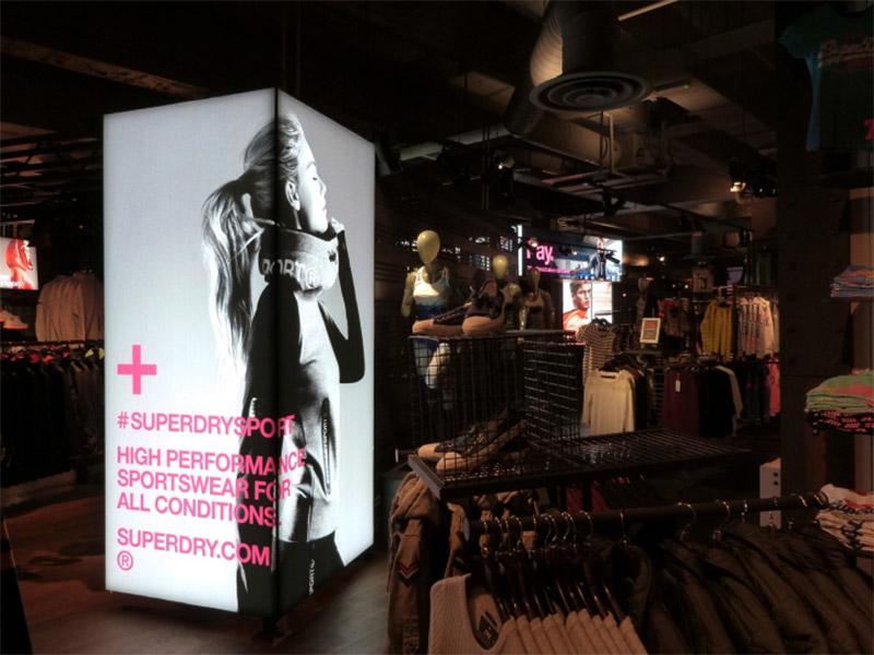 Displays impresos Visual merchandising Retail
