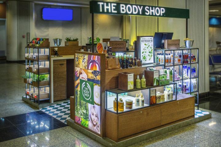 Comunicación visual Retail Marketing Instalación gráfica