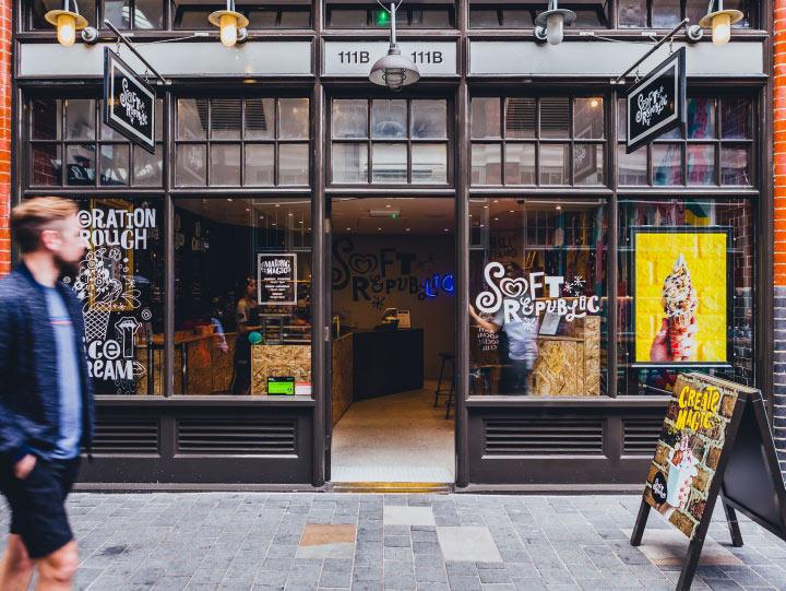 Visual merchandising Retail Brading