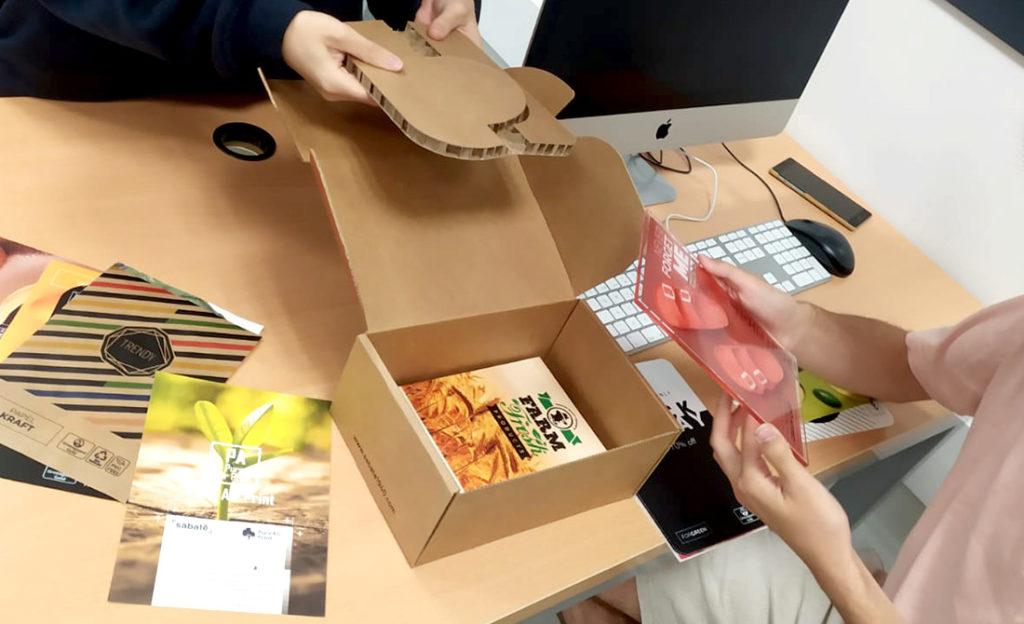 Cartón nido de abeja impreso